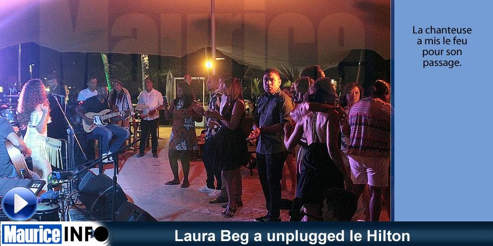Laura Beg a unplugged le Hilton