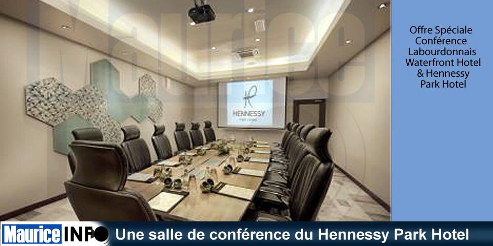 Une salle de conférence du Hennessy Park Hotel