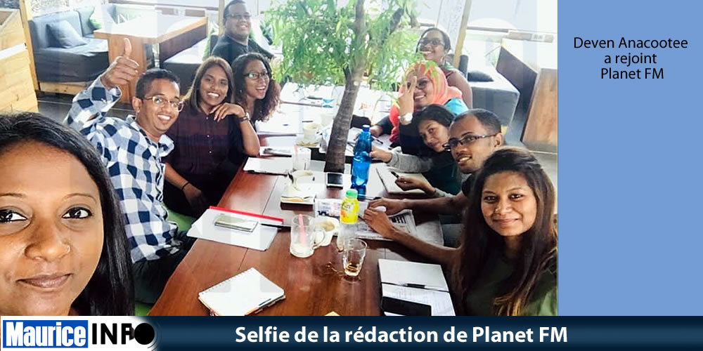 Selfie de la rédaction de Planet FM
