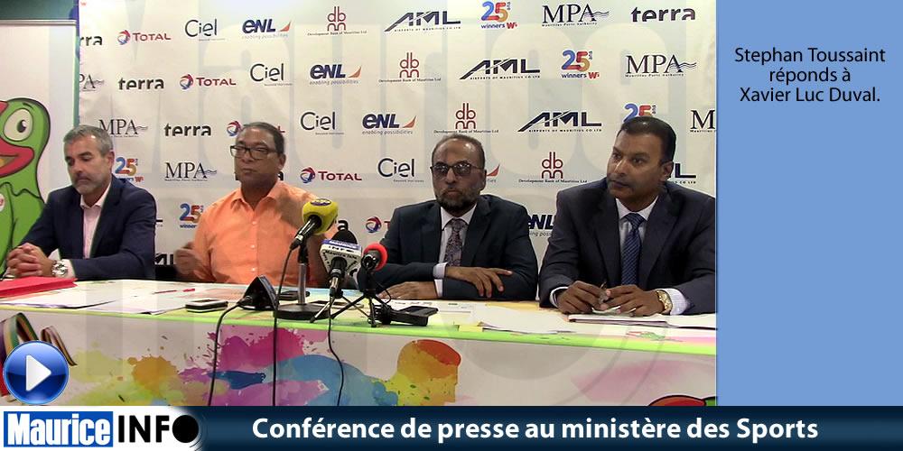 Conférence de presse au ministère des Sports