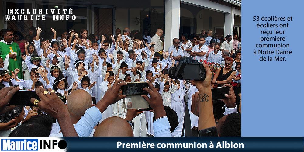 Première communion à Albion